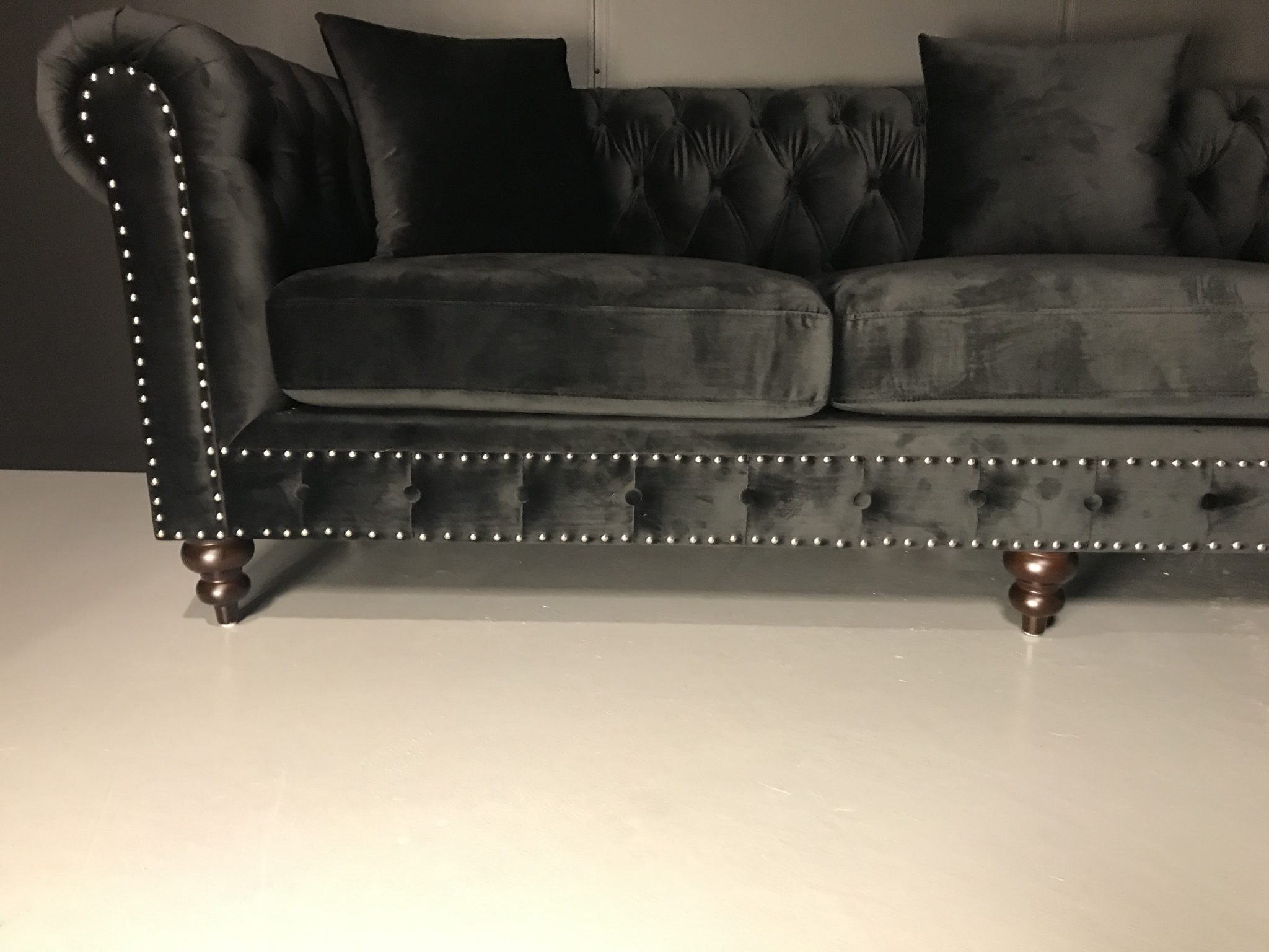 nydelig napoli chesterfield sofa i velour n p tilbud. Black Bedroom Furniture Sets. Home Design Ideas