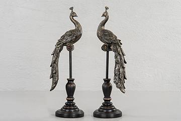 Påfugl på stativ, bronsefarget