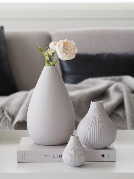 Modernistisk Adrian vase lys grå - 9 cm - designerhome.no PU-73