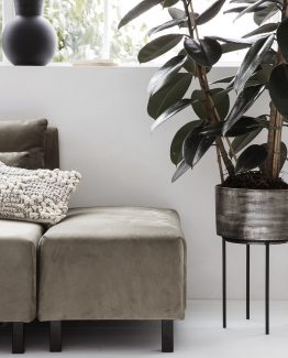 blomsterpotte til gulv, urtepotte, potteskjuler, House Doctor, dansk design, nordisk stil, nordisk design, minimalistisk blomsterpotte