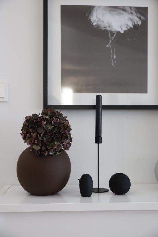 cooee design, keramikk fugl, bird, black, plum ball vase