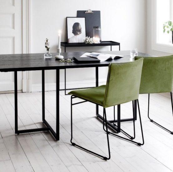 kyst stol, t-bordet, ygg%lyng, Ygg og Lyng, Norsk design, nordisk stil, soisebord, bord med ileggsplater, heltre eik, heltre furu, beiset bord, oljet bord, minimalistisk spisebord, industriell stil