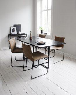 Kyst spisestol, ygg&lyng spisestol, svart spisestol, stål stol, utendørs spisestol, innendørs spisestol, norsk design, nordisk stil