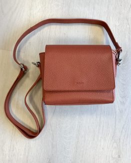 nova skulderveske crossbody bag montana leather