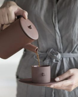 clay kaffekopp og fat byon design coffee